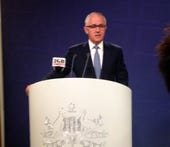 nbn-fibre-keeps-rolling-until-review-turnbull
