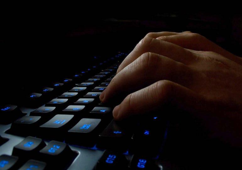 computer-keyboard-in-dark.jpg