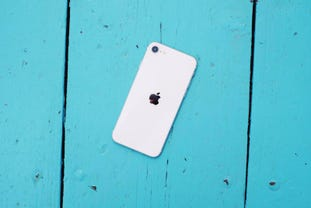 apple-iphone-se-2020-review-zdnet.jpg