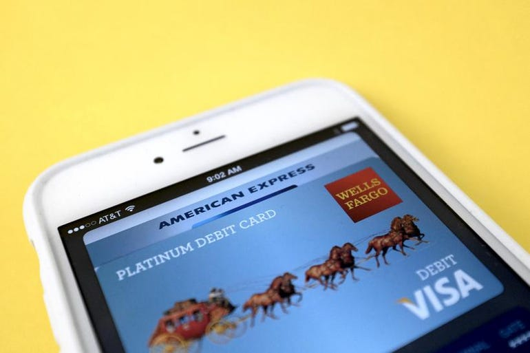 apple-pay-iphone-6-plus.jpg