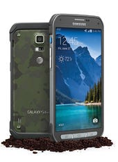 Samsung and AT&T launch new S5 Active with hardware buttons in camo casing