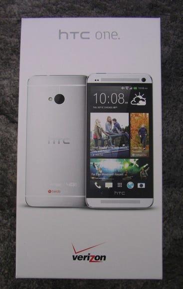 Verizon HTC One retail package
