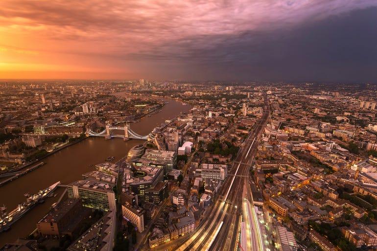 londonstormistock.jpg
