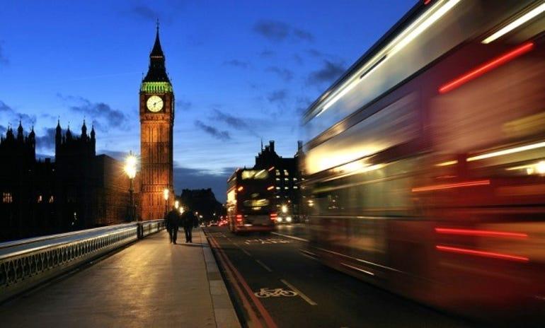 london-westminster-parliament-bus