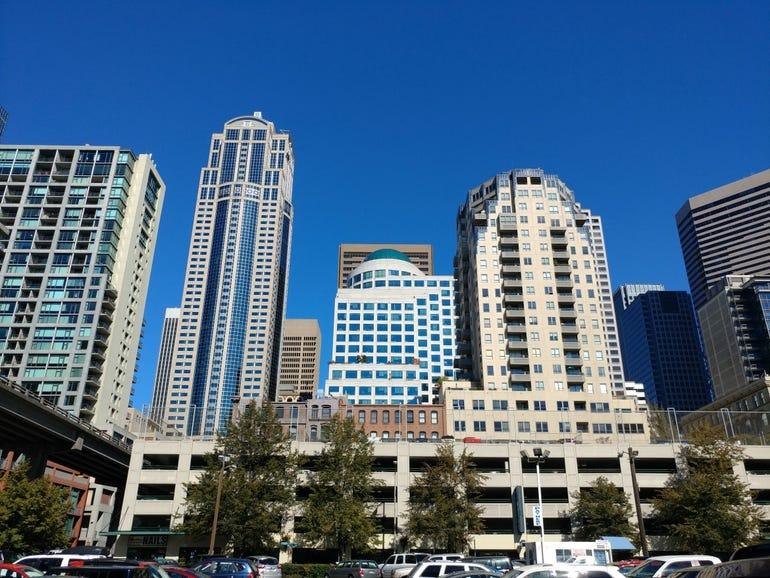 Moto G4 Play cityscape