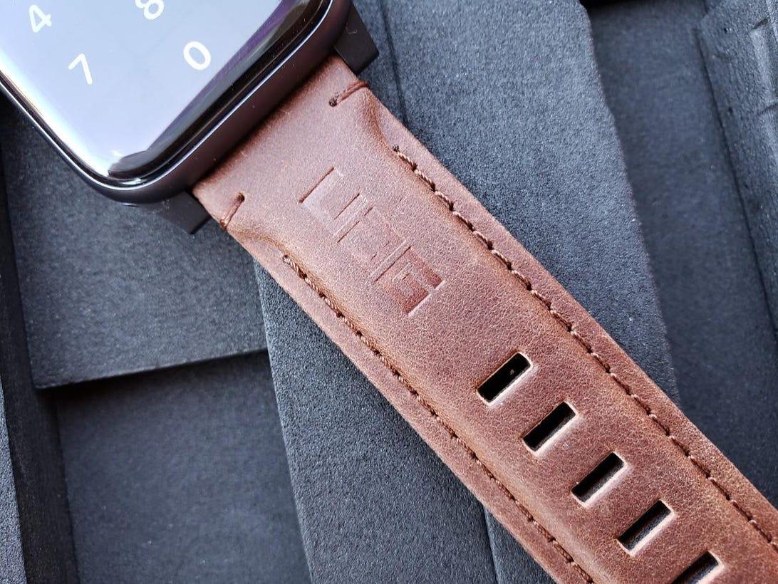uag-apple-watch-bands-4.jpg