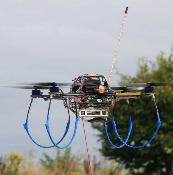 40153224-1-swarmsystemsflyingrobot.jpg