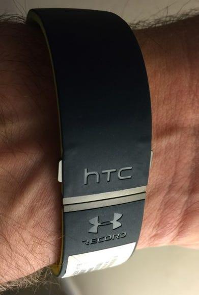 HTC Grip closed clasp