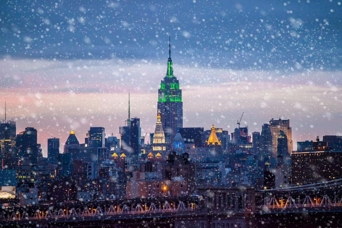 Snowing in New York