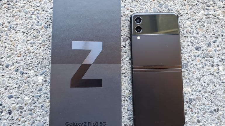 z-flip-3-review-3.jpg