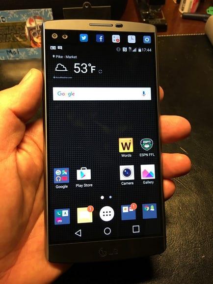 LG V10 in hand