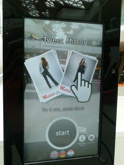 40154253-1-tweet-mirror-400x532.jpg