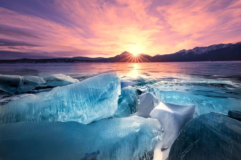Ice Breaks, Abraham Lake, Alberta, Canadian Rockies