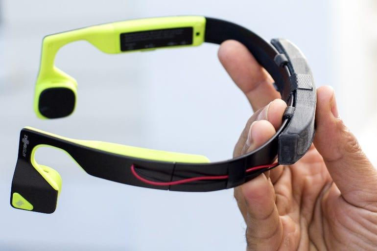 microsoft-aftershokz-bluez-2-bone-conducting-headset.jpg