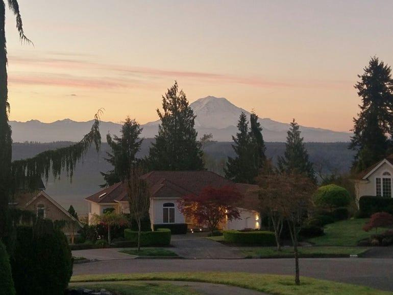 Mt Rainier postcard from HTC 10