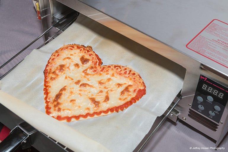 pizza-heart.jpg