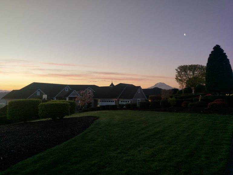 Mt Rainier sunrise from HTC 10