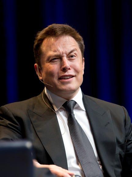 Elon Musk (@elonmusk)