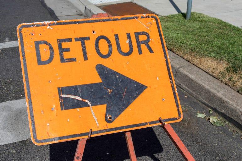 istock-detouur-sign.jpg