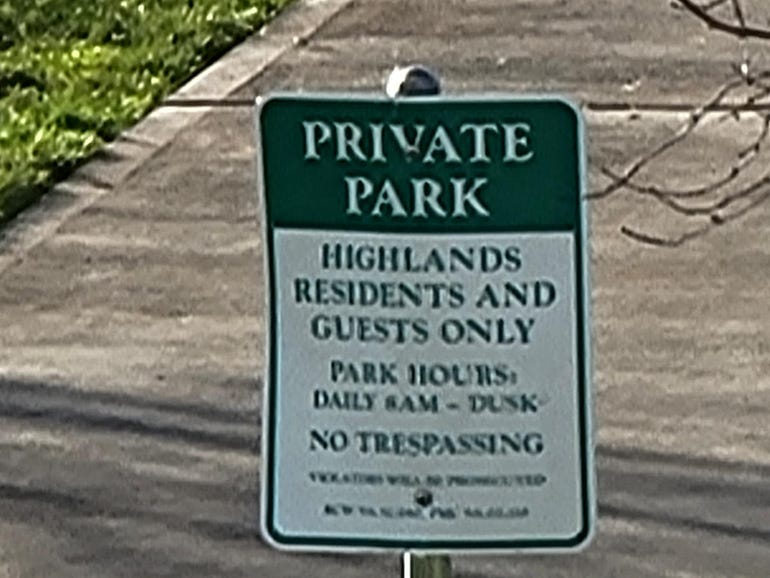 Galaxy S21 Ultra 100x zoom on park sign