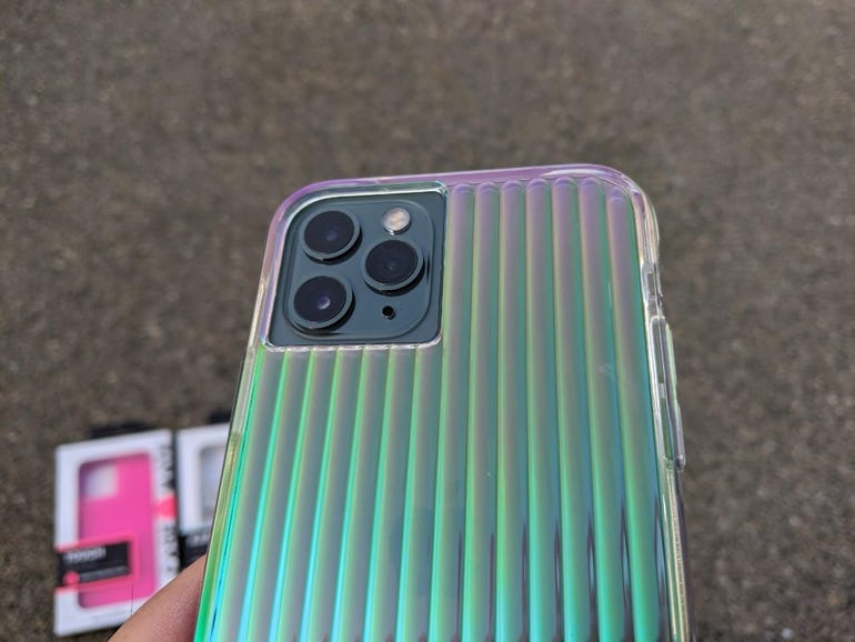 Cool iridescent back and ample camera opening