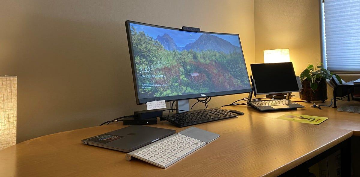 second-desk-bott-office.jpg