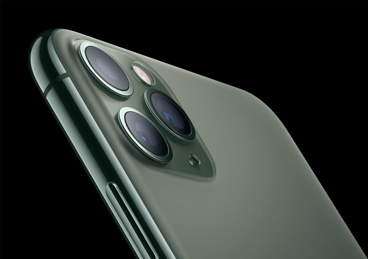 apple-iphone-11-pro-matte-glass-back-091019.jpg