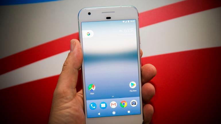google-pixel-phone-100416-1057.jpg