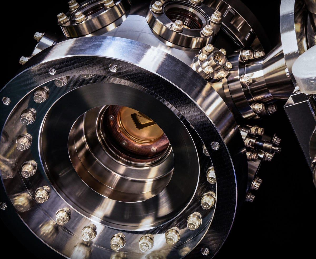 honeywell-quantum-computer-chamber-full-image.jpg