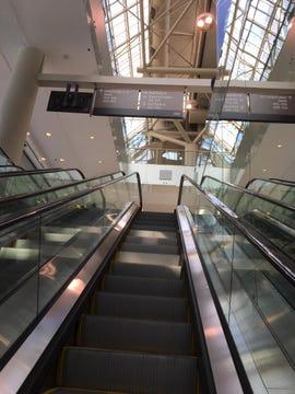 escalator-toronto-convention-center-july-2018-photo-by-joe-mckendrick.jpg