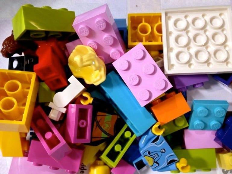 zdnet-remake-maker-movement-legos