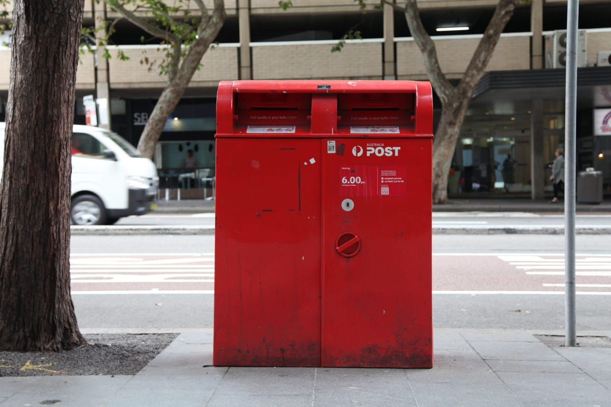 australia-post-post-box-close-up.jpg