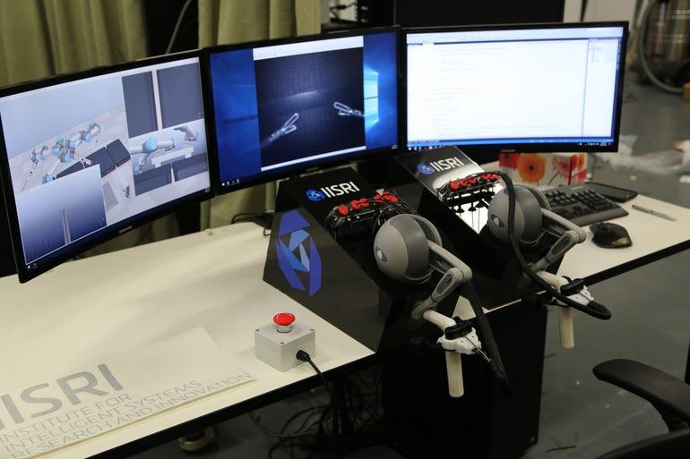 herosurg-workstation-console.jpg