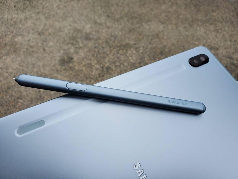 S Pen and rear groove