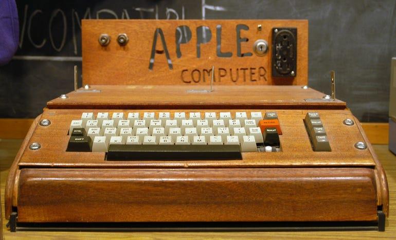 1976: Apple computer company