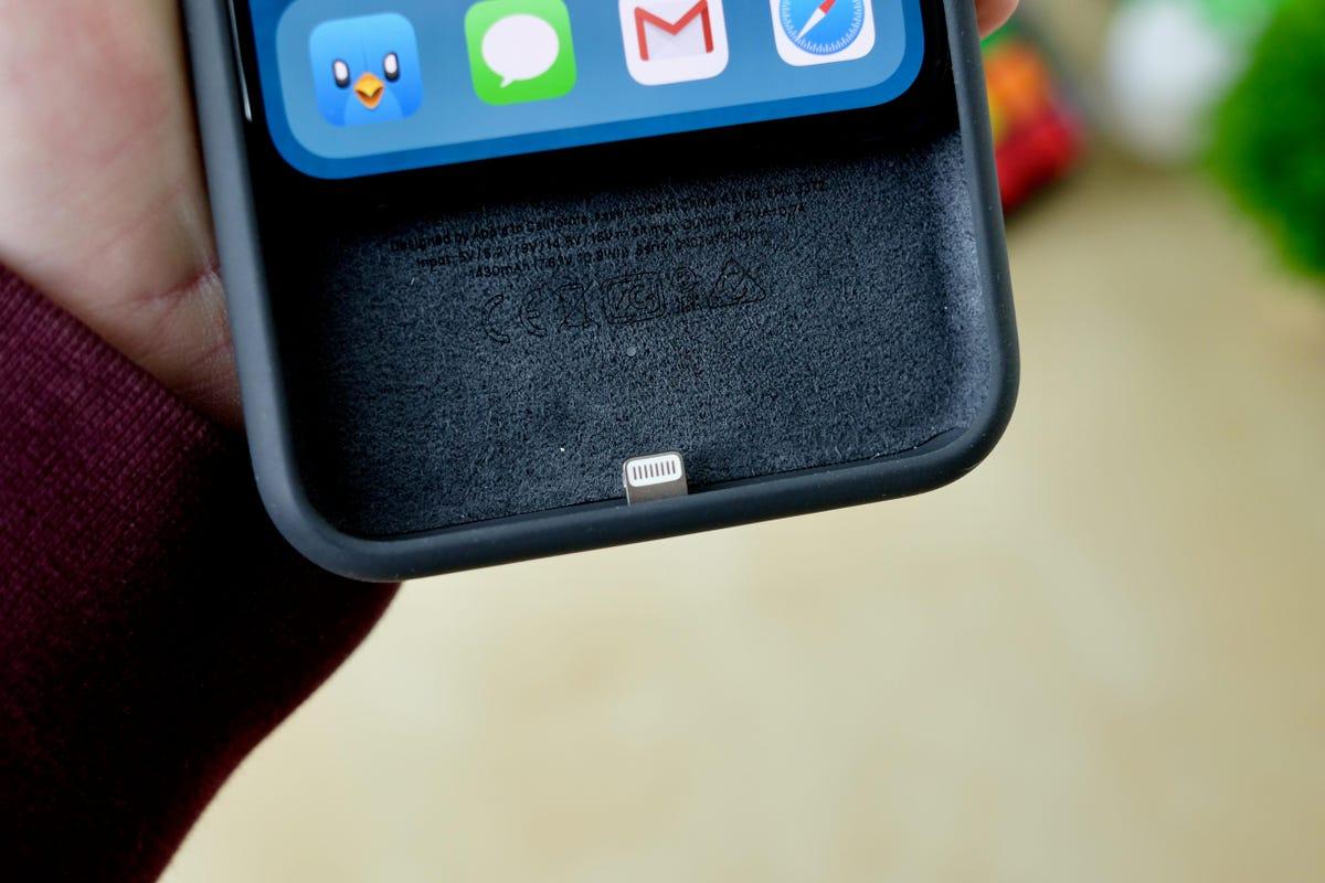 iphone-11-smart-battery-case-4.jpg