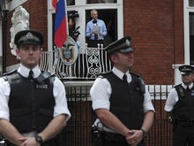 Wikileaks' Assange gives media statement in London: photos