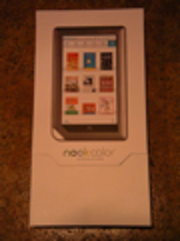 Image Gallery: B&N Nook retail packaging width=