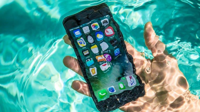 iphone-7-pool-tests-water-splash-0072.jpg