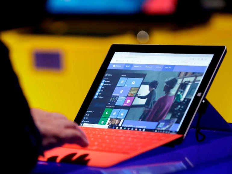 Windows 10 says hello, but not without controversy