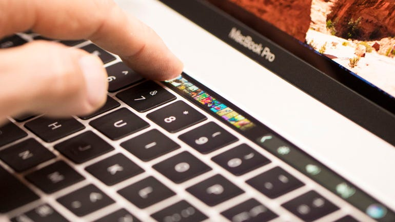 apple-event-macbook-touchbar-macbook-pro-102716-2943.jpg