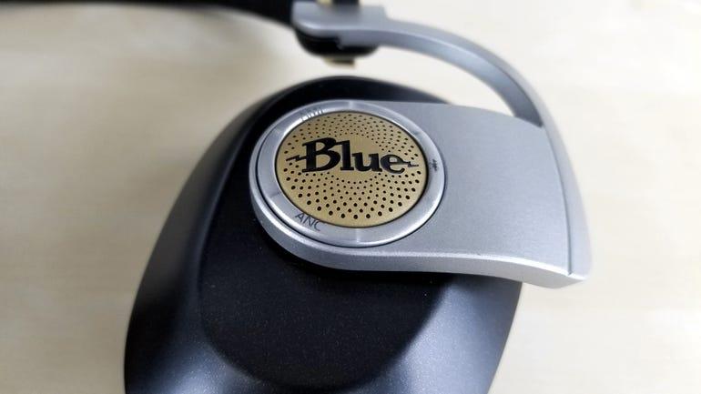 blue-microphones-satellite-wireless-headphones-4.jpg