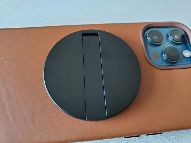 ESR HaloLock Kickstand Wireless Charger