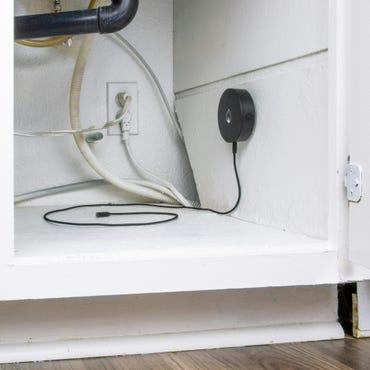 sensor-w-cable-lifestyle-1.jpg