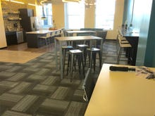 5 reasons to consider a coworking space