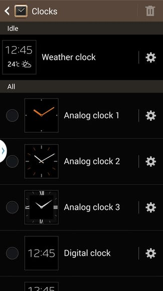 Choose a clock face for your Gear