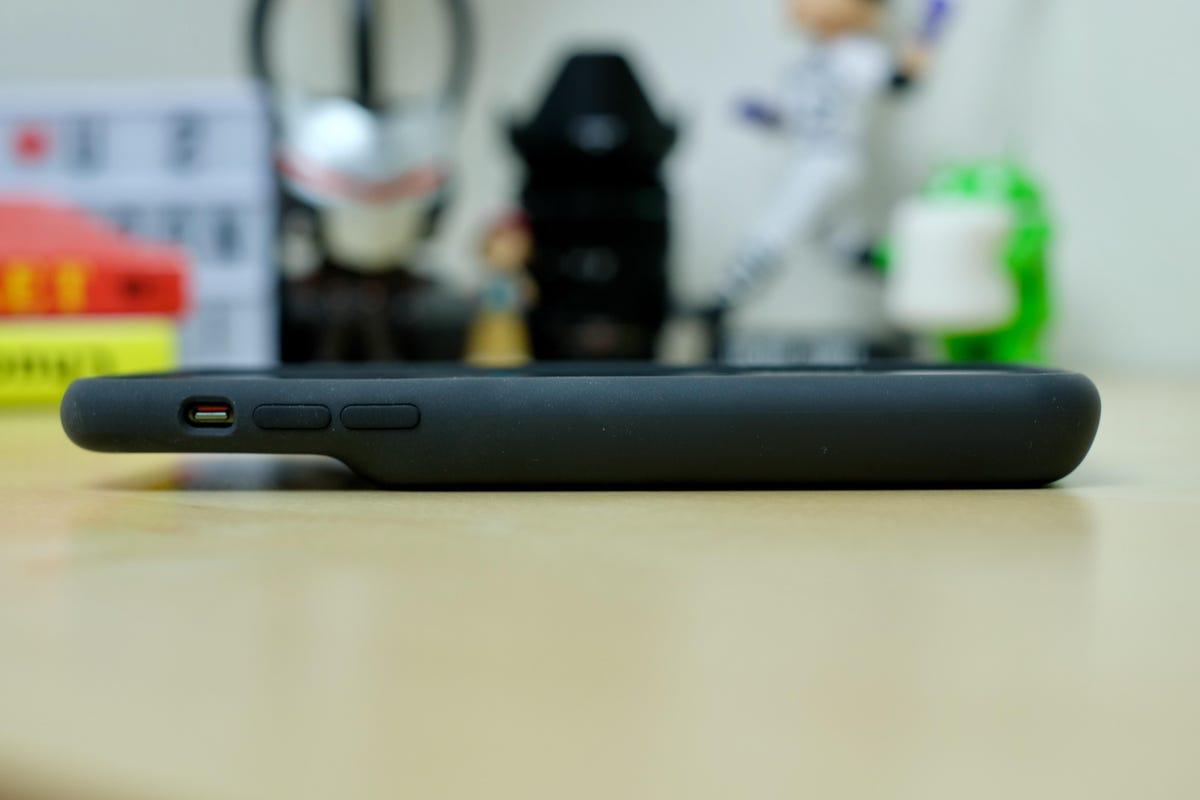 iphone-11-smart-battery-case-2.jpg
