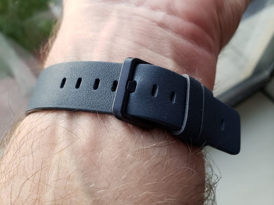 fitbit-charge-3-8.jpg