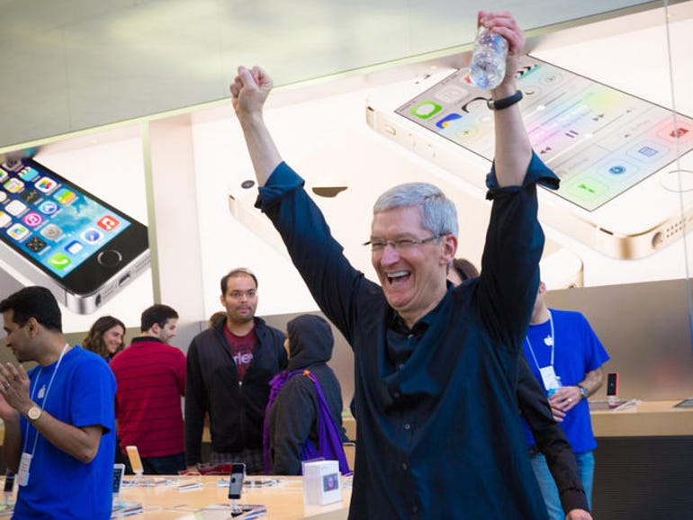 Tim Cook at the Apple Store