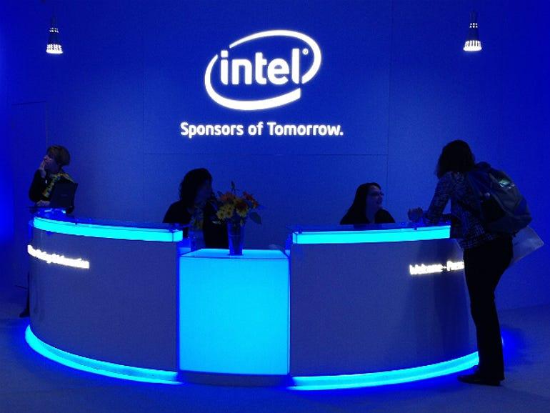 intel-ces-2012-reception-desk-thumb